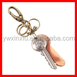 Alibaba Wholesale Vintage Key Pendant Charm Genuine Leather Key Ring