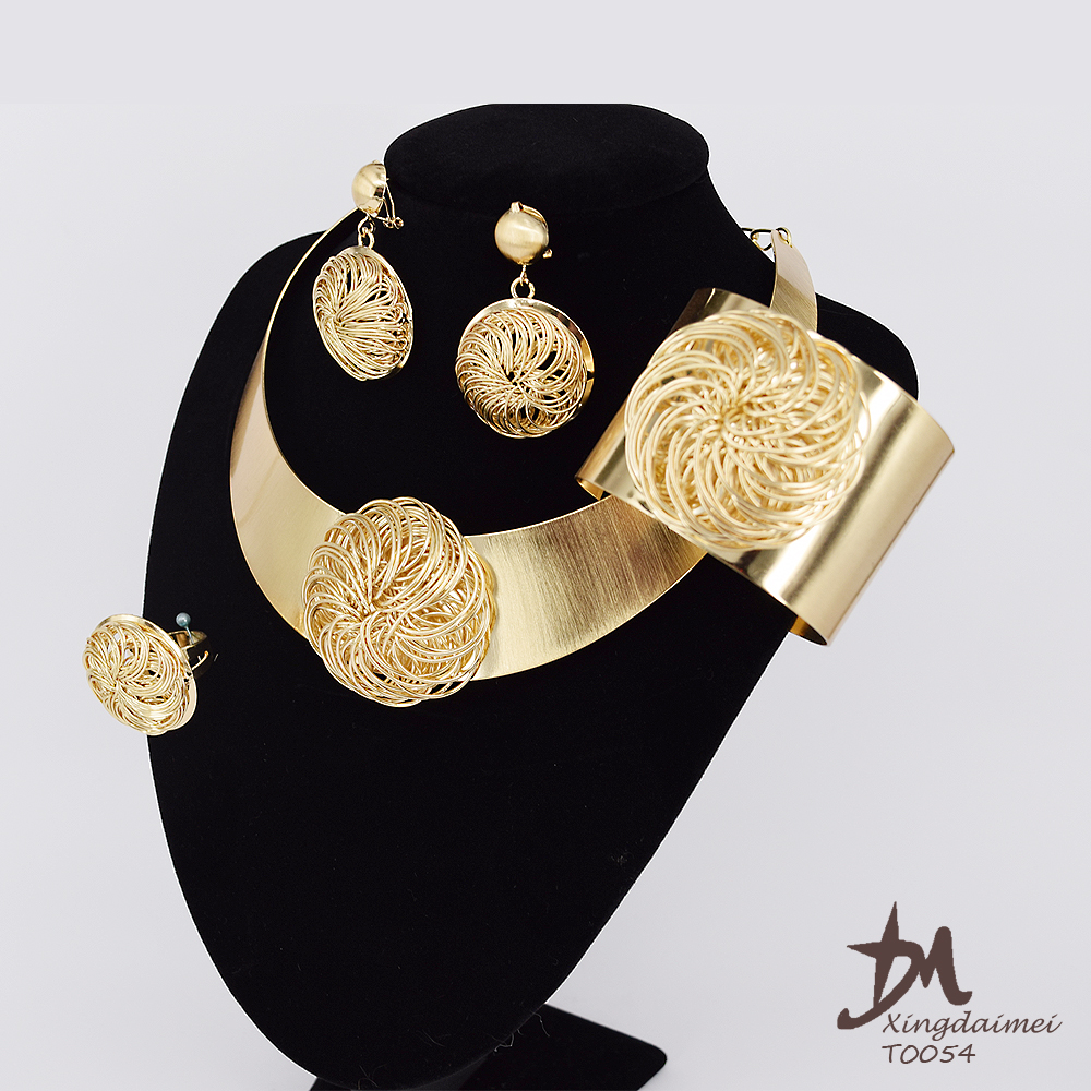 wholesale African jewelry fashion, 18K gold plating woman large jewelry set T0054