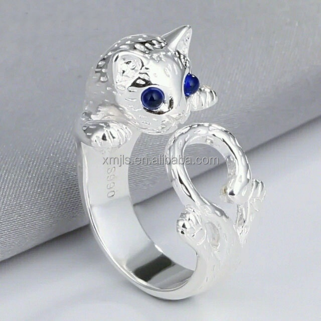 Cat shape silver ring designs for girl with gemstone