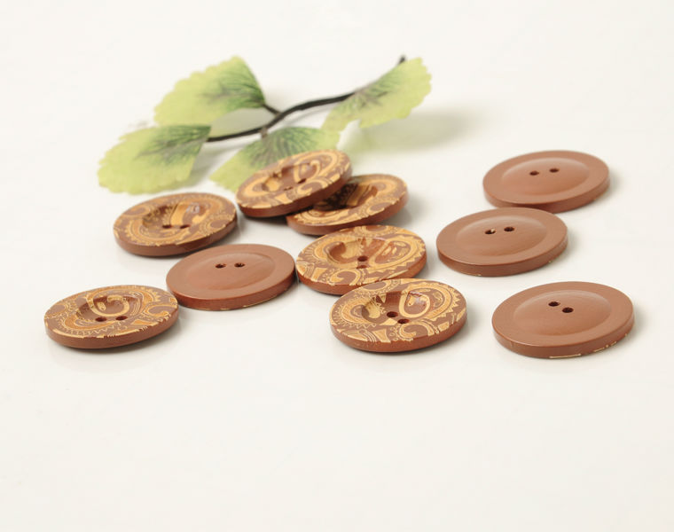Vintage Fashion 100% Natural Wooden Buttons Patterned 2 Hole Round