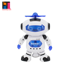 2018 kids novelty toys battery operated plastic dancing robot toy with light