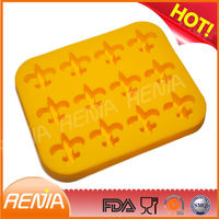 RENJIA airplane shape silicone ice cube airplane shape silicone ice tray ak 47 ice tray