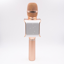 Quality Q7 Cheap Mini Karaoke Machine Player Wireless Microphone with USB Cable for Mobile Phone