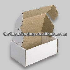 assembling corrugated paper carton packing box