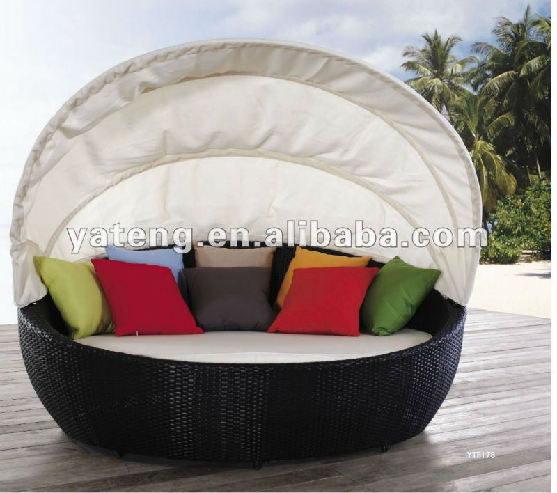 de forme ronde en rotin canap en plein air meubles pas. Black Bedroom Furniture Sets. Home Design Ideas