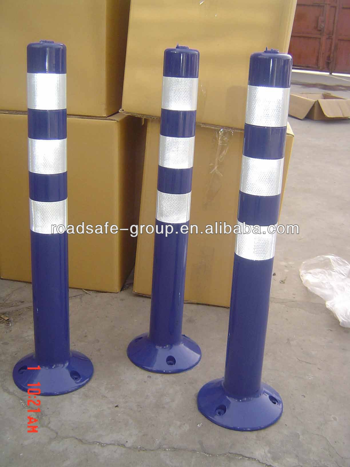 Driveway Delineator Barrier  Flexible Reflective Traffic Spring Post