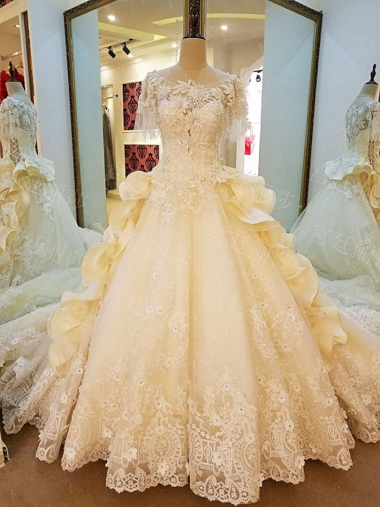 LS99067 Luxury big skirt short sleeve french lace luminous macau sance wedding dress