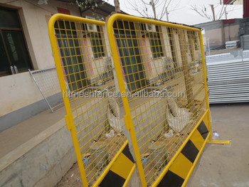Yellow colour Singapore Portable Traffic Control Barrier with mesh infilled