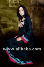 black casual dress with beautyfull colors combination