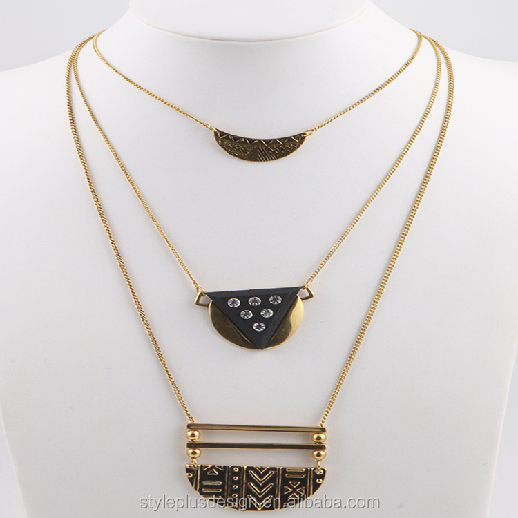 N76698L01 Ceramic Jewelry Ladies With Animal Sex Big Pendant Design Layered Gold Chain Alloy Iron Pendant Necklace