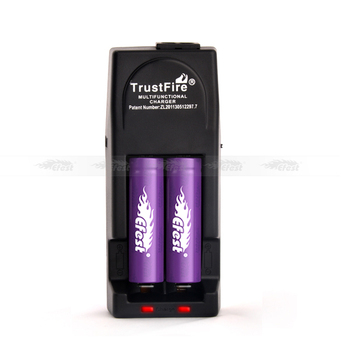 Lithium ion battery charger TrustFire 18650 battery charger,portable dual port charger,trustfire 26650 battery car charger