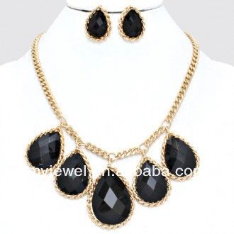 fashion crystal costume necklace
