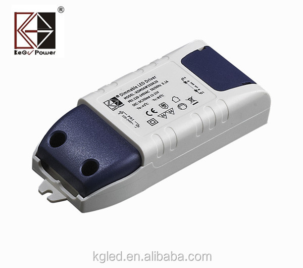 36V 830mA constant voltage LED driver with SAA