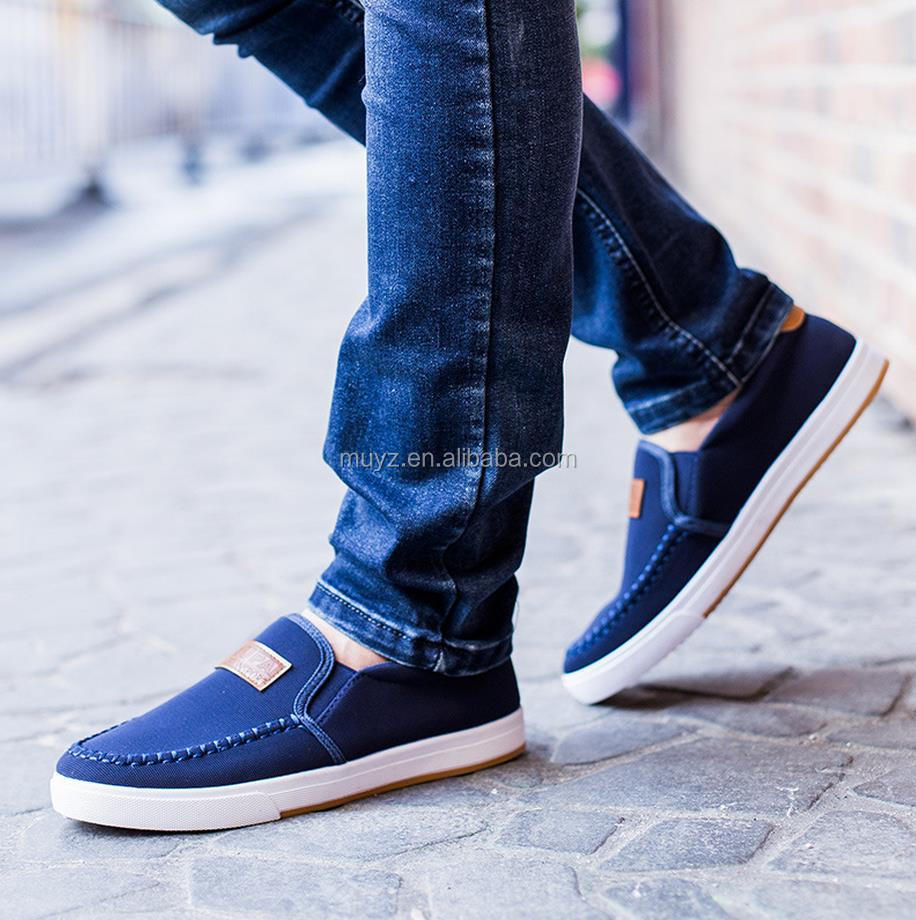 L1413A new design casual flat men's shoes latest canvas slip on shoes for men