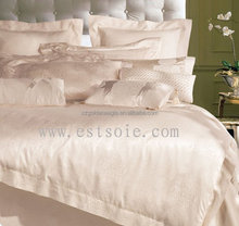Luxurious and Soft Jacquard 100% Silk Quilt