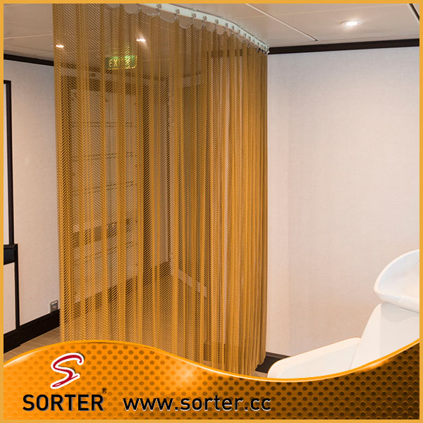 Sorter's high quality metal wire mesh hanging room partition