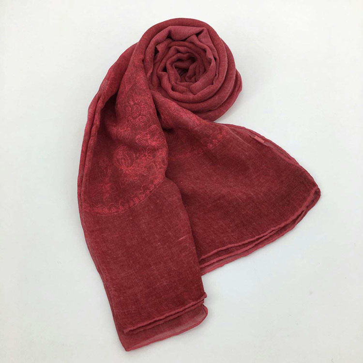 Hot Sell Arab Muslim Hijab Beautiful Head Scarves And Shawl Women Cotton And Linen Floral Embroidered Scarf Cotton