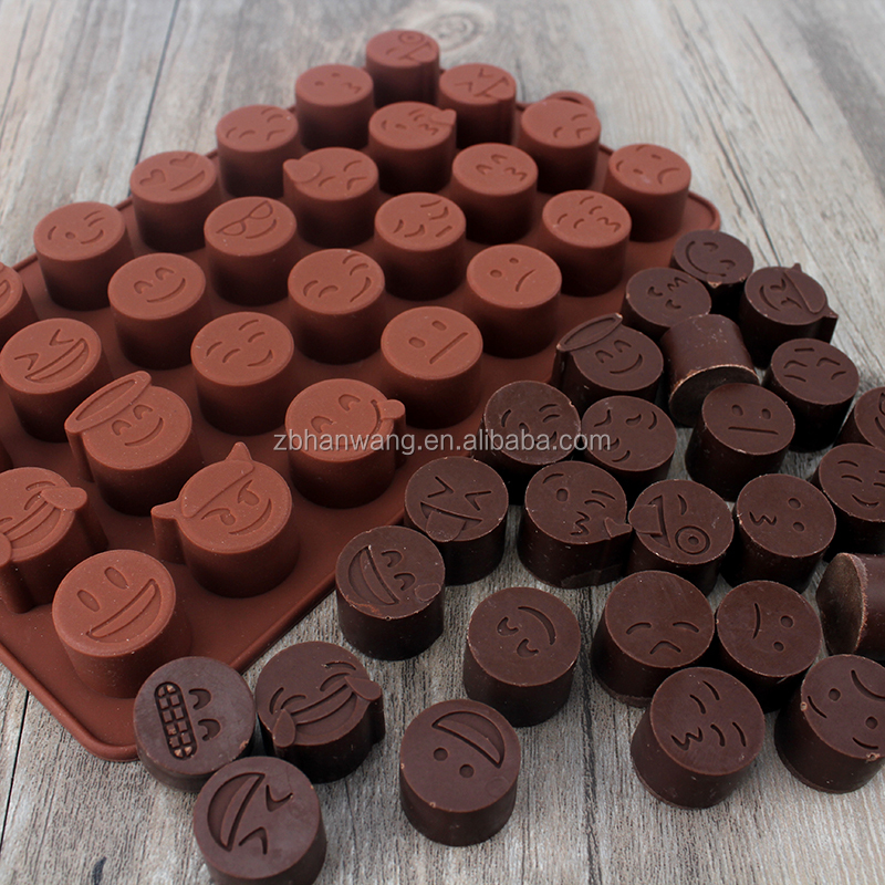 customized novelty QQ face FDA silcone baking mold/cookie mold/chocolate mold