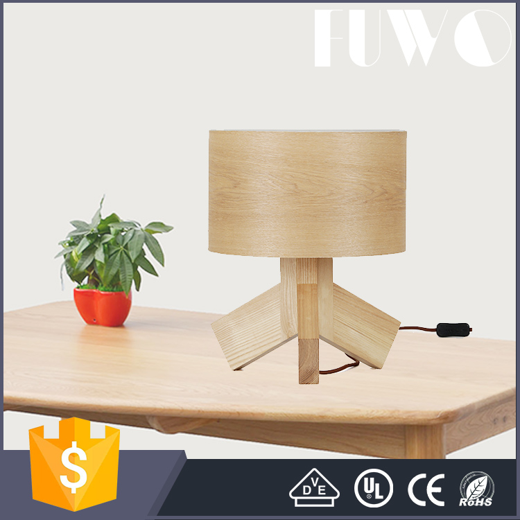 Modern style natural white ash wooden home hotel decorative table lamp with round shade and tri-foot base made in china