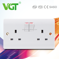 wearable long-time durable 13A 50000times 220-250V VGT usb wall socket
