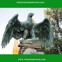 China Alibaba bronze king of eagle statue