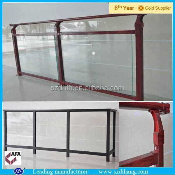 Glass balcony railing balcony glass railing grill design for Balcony glass railing designs pictures