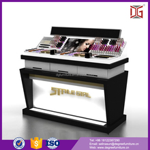2017 New Design Cosmetic Professional Makeup Display Stands