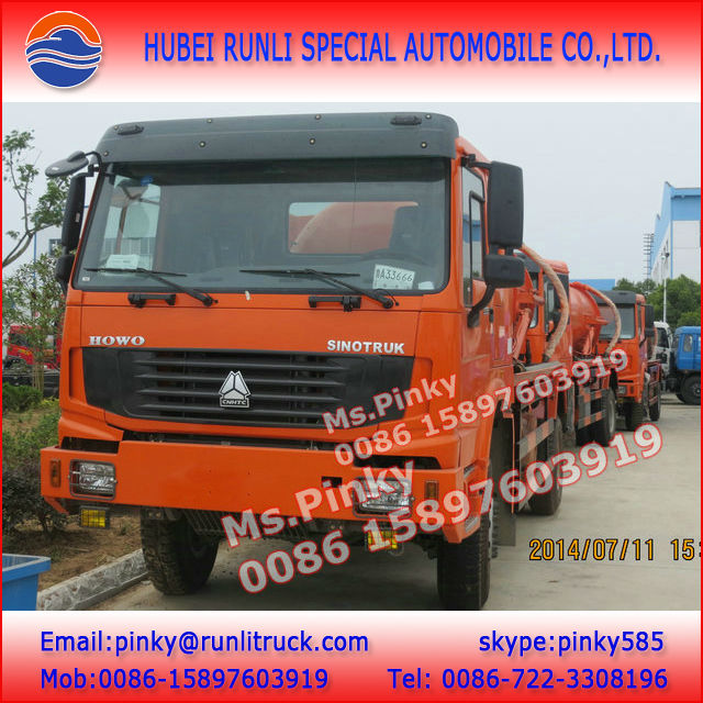 4x4 Vacuum Trucks HOWO All Wheel Drive 4WD Mobile Toilet Sludge Suction Truck for Sales