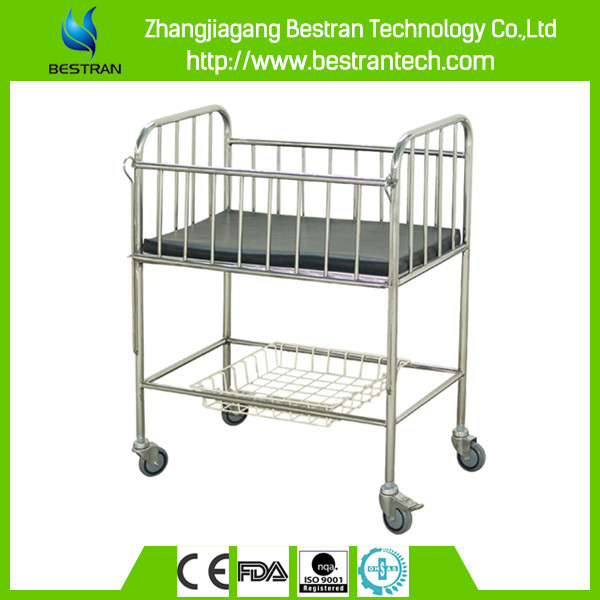 China BT-AB106 hospital stainless steel baby bed, mobile baby cart, medical baby bassinet with wheels