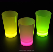 Colorful Fashion Lighted Beer cup wedding favors party led cups most popular flashing led glow in the dark cups for bar items