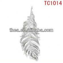 TC1014 Wholesale 2013 Latest Fashion Jewelry silver feather design charms and pendants