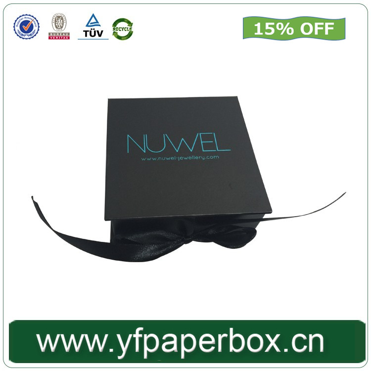 Custom ribbon jewelry set packaging box with insert