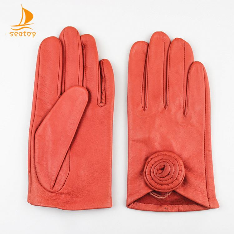 Clean warm white work hand safety leather gloves
