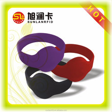 Mf 1k Compatible 13.56MHz Silicone rubber chip wristband
