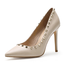 2018 PU upper with rivet 10cm heel stud element pointed ladies pump shoes