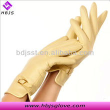 2013 new arrival fashion ladies lambskin cream colored leather gloves manufacturer