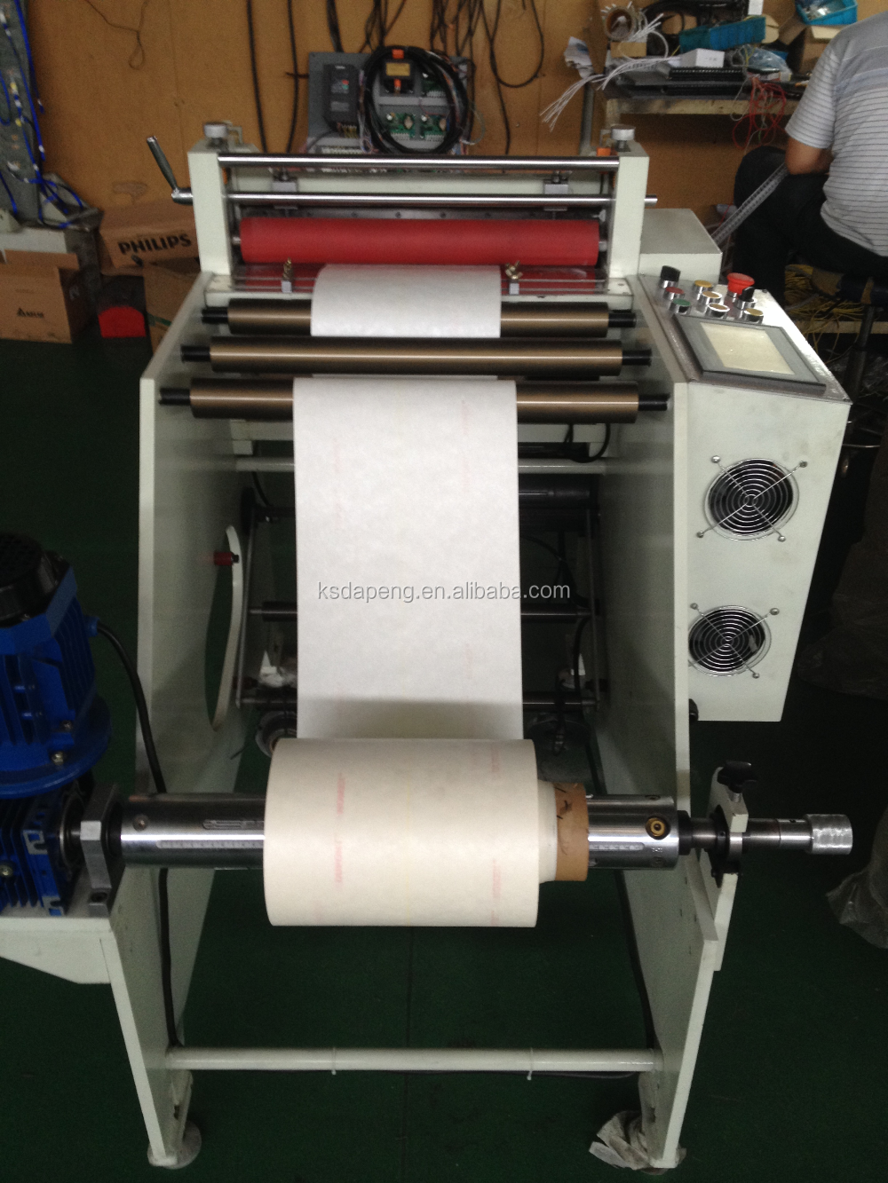 Automatic Adhesive Paper Roll to Sheet Cutting Machine