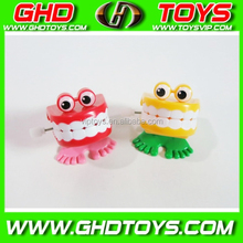 2015 new design wind up toy plastic teeth for gift, clockwork toy, jumping teeth for gift%%