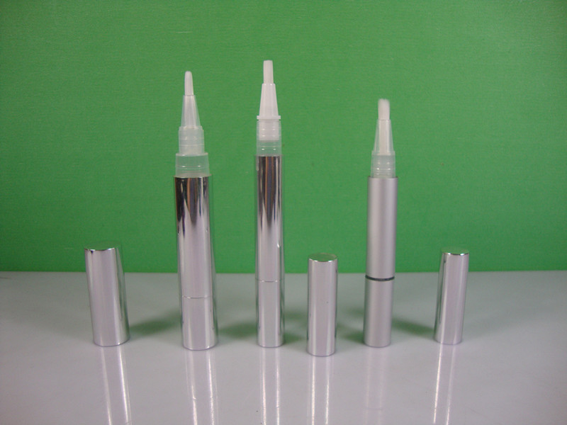 6ML cosmetic twist pen with steel roll on