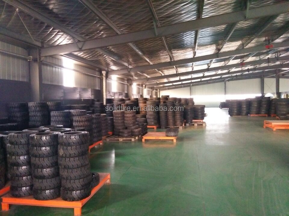 15x4.5-8 forklift solid tyres,rubber tire