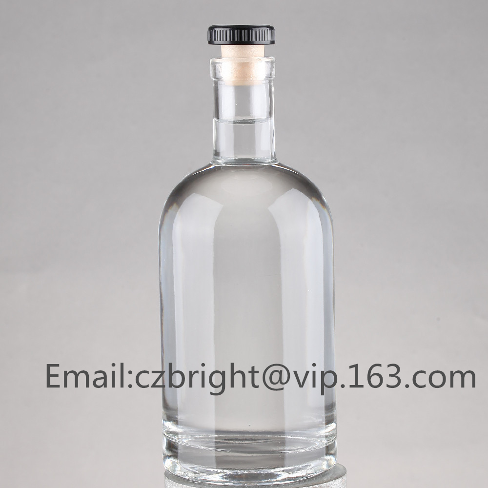 Vodka containers manufacturers/ 700ml vodka bottle