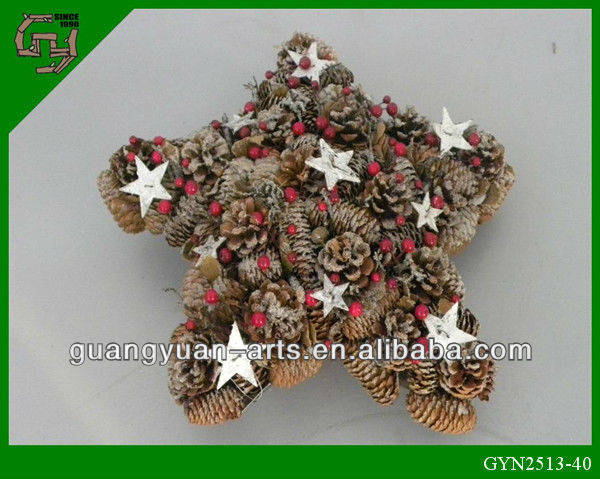 With star and pinecone Natural Material Handicrafts