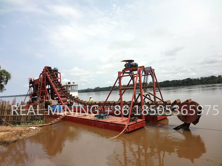 Large Scale Mining Machine Bucket Chain Gold Dredger With Trommel Screen Knelson Concentrator