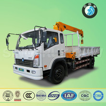 sinotruk small 6 ton sinotruk cargo crane truck made in china
