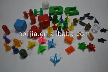 plastic board game pieces / board game playing pieces
