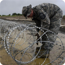 Hot Dipped Galvanized Razor Concertina Barbed Wire, Flat Wrap Razor Wire