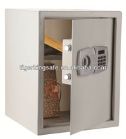 Metal safe with electronic lock