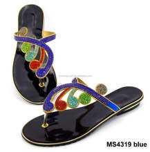 China wholesale summer beach sandals with crystal lady Roman flat shoes MS4319 blue
