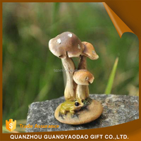 Wholesale china merchandise small mushrooms resin animal gift toys for kids