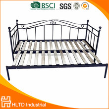 Hot Sale Sofa Cum Bed Indoor Metal Iron Daybed with Wood Slats